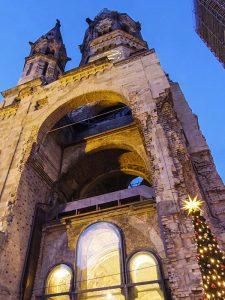 Berlin'deki Yikik Kilise