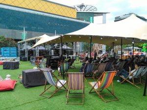Muzik sahnesinin kuruldugu Aotea Meydani - Auckland