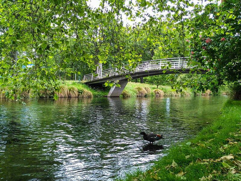 Christchurch Botanik Bahceleri icinde Avon Nehri