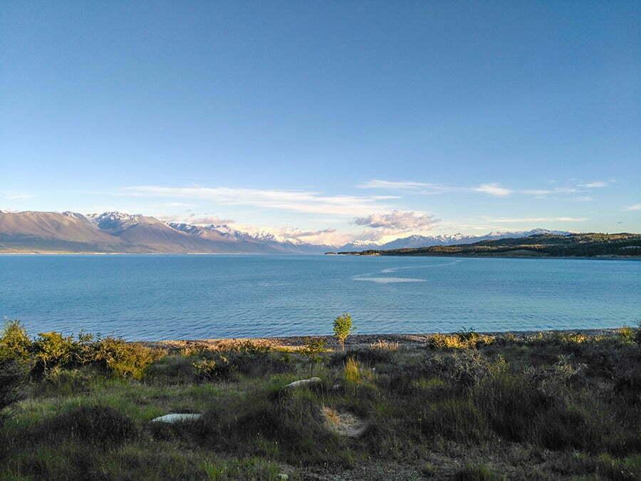 Pukaki Golu ve Yeni Zelanda Alpleri