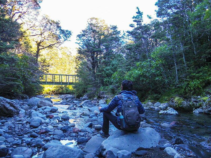taranaki-falls-track-yolu-nehir